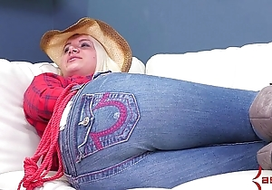 Cowgirl rides big toys at brutal anal rodeo