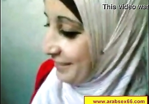 Petite Algerian whore is always wearing shoes with high heels while going to her
